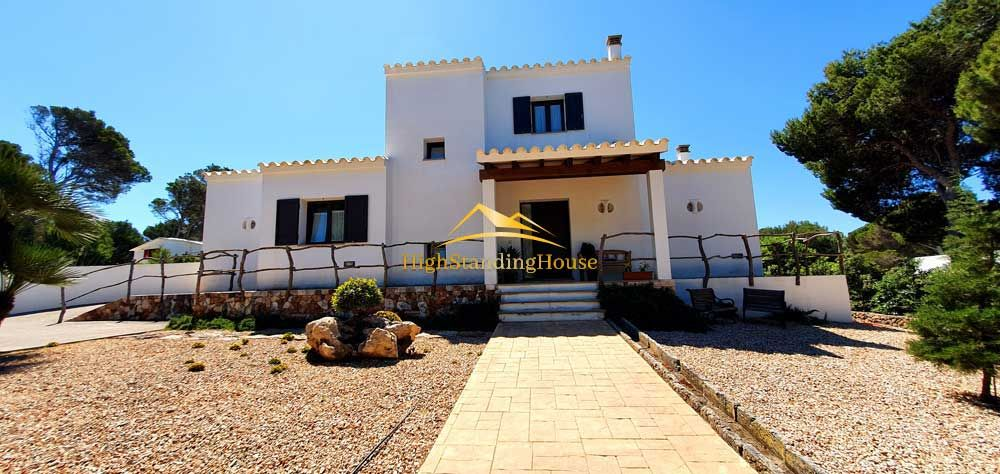 VILLA WITH TOURIST LICENCE IN CALA MORELL.